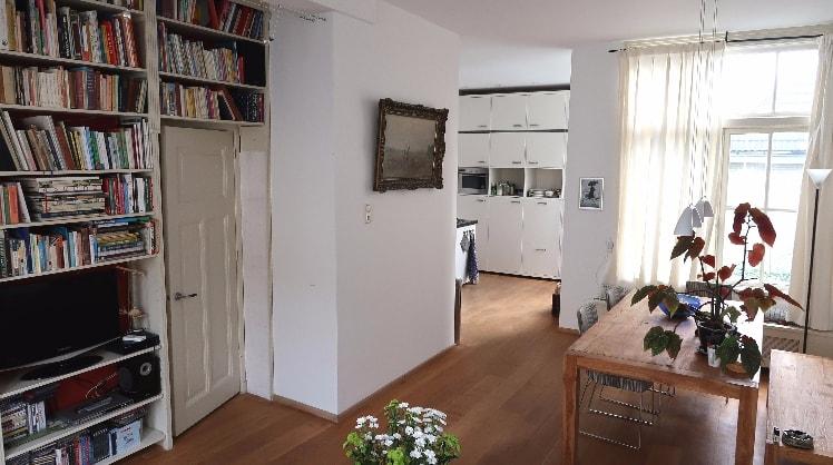 Iva in Leiden back image