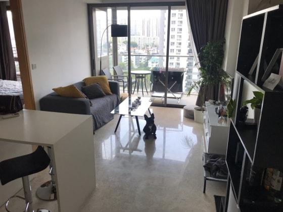Kassandra in Singapore back image